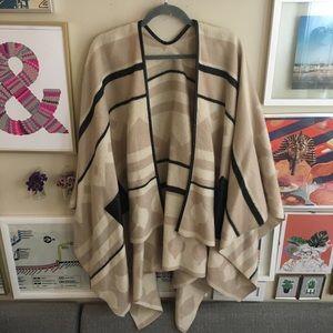 Jackets & Blazers - Oversize Aztec patterned cape